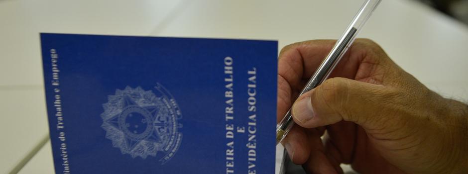 RDZ_carteira_de_trabalhoArquivo-Agência-Brasil