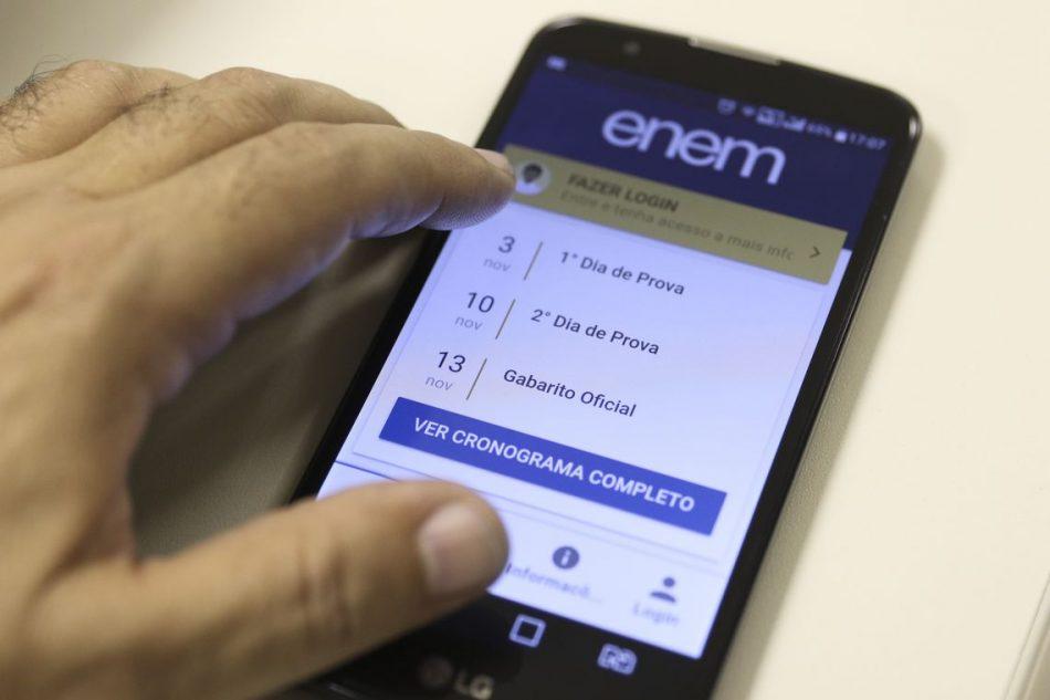 enem-abr-151019788-950x633