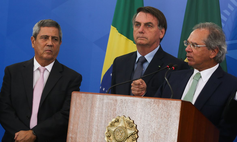 economia_pr_jair_bolsonaro_coletiva0104201364