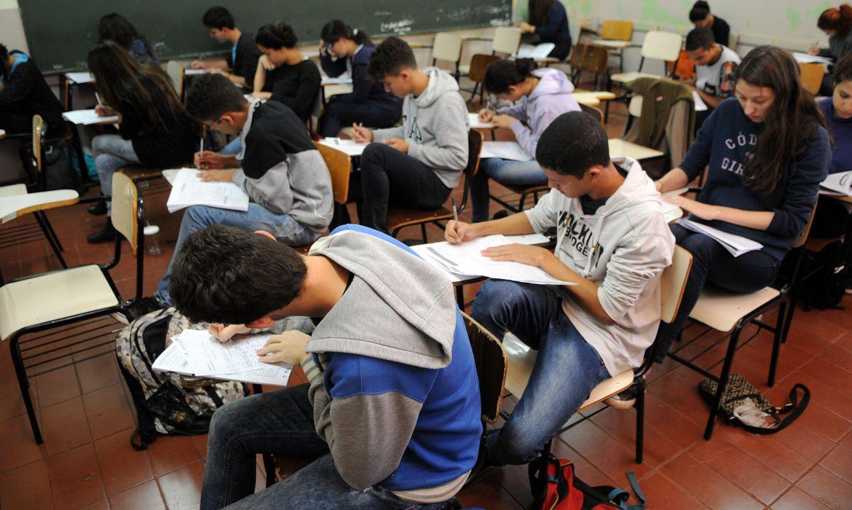 estudantes_alunos_escola234857208