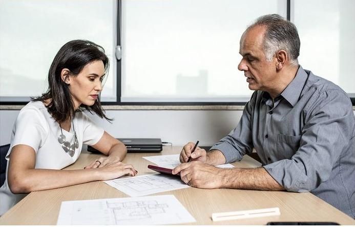 O-casal-Maria-Fernanda-Oliveira--e-Alexandre-Guimaraes-do-Estudio-4-trabalham-juntos-ha-varios-anos-e-garantem-que-respeitar-a-opiniao-do-outro-sem-levar-para-o-lado-pessoal-e-o-que-garante-uma-unia